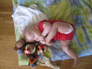 תינוקת גמישה